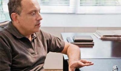 Entrevista: Arthur Casas e seu jeito de projetar